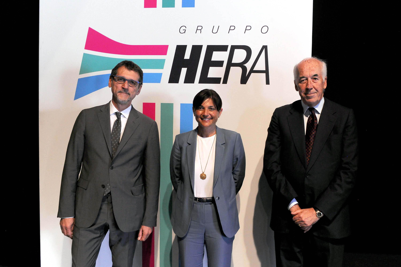 Virginio Merola (Sindaco Bologna), Debora Serracchiani (Presidente Regione Friuli Venezia Giulia) e Tomaso Tommasi di Vignano (Presidente Gruppo Hera S.p.A.) - Bologna 19/06/2015 (Foto Gruppo Hera S.p.A.)
